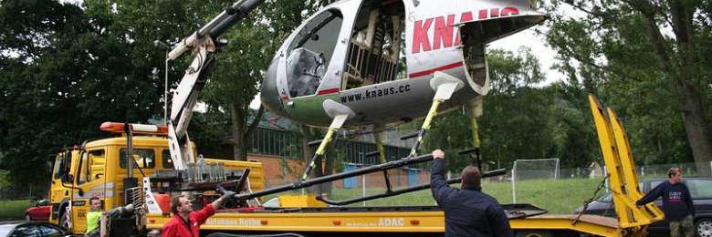Ladekranarbeiten-Autohaus-Rothe-mit-Hubschrauber